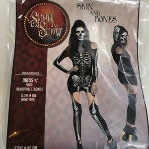 Glowing skeleton costume Halloween